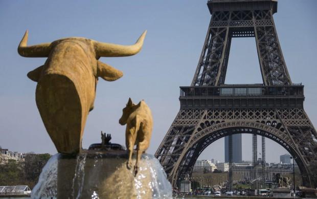 FRANCIA TORRE EIFFEL:ISL220 PARÍS (FRANCIA), 28/03/2014.- Vista de la Torre Eiffel en París, Francia, hoy, viernes 28 de marzo de 2014. El próximo lunes, 31 de marzo, se cumplirá el 125 aniversario de la inauguración de la Torre Eiffel. EFE/Ian Langsdon