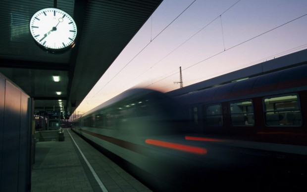 ICE departing from Central Station Nuremberg, Middle Franconia, Bavaria, Germany, Europe